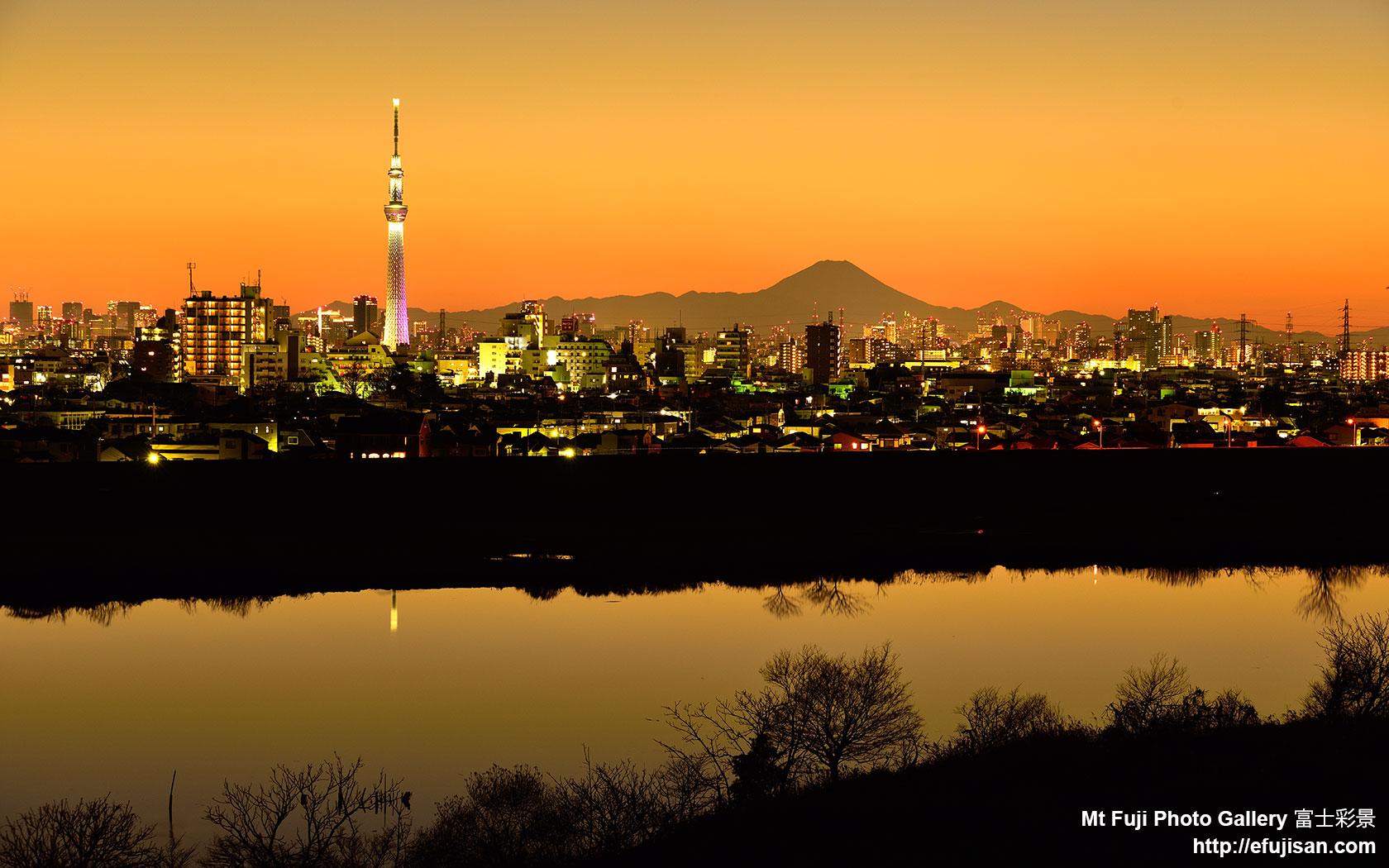 富士山壁紙360度 スカイツリーと富士山